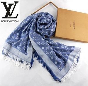 Платок Louis Vuitton, светло-синий.