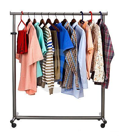 Предлагает женскую одежду платья, туфли, джинсы, футболки по низким ценам.  Среди нашего ассортимента модные вечерние платья, которые придают женской  фигуре ... e4c693c1c44
