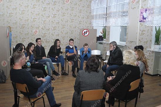 Студенты и руководство Днепропетровского театрально-художественного колледжа нашли компромисс (ВИДЕО, ФОТО), фото-26