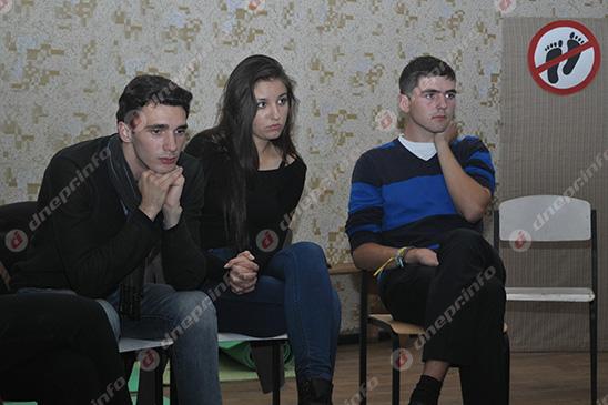 Студенты и руководство Днепропетровского театрально-художественного колледжа нашли компромисс (ВИДЕО, ФОТО), фото-27