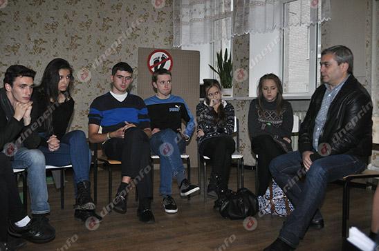 Студенты и руководство Днепропетровского театрально-художественного колледжа нашли компромисс (ВИДЕО, ФОТО), фото-30