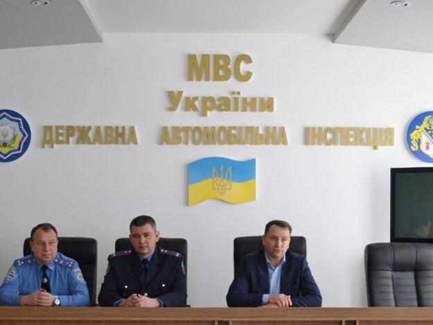 С 17 февраля должность начальника управления ГАИ в Днепропетровской области получил подполковник милиции Александр Реуцков.