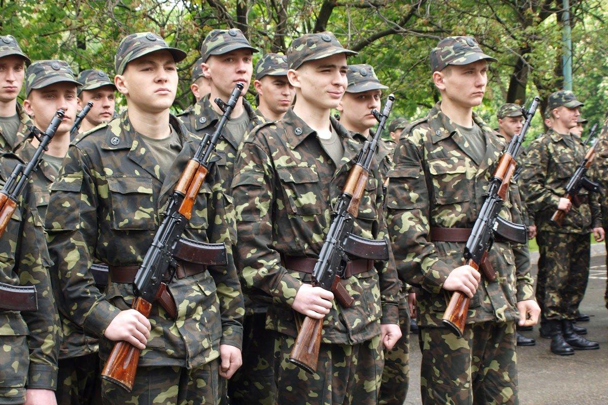С 1 апреля по всей Украине начался призыв «срочников».