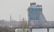Смерть школьницы на территории отеля «Парус» квалифицировали как самоубийство