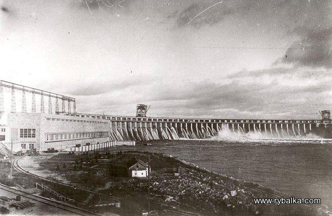 pervyj-pusk-turbin-dneproges-1932