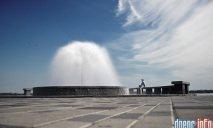Филатов разрешил выпускникам купаться в городских фонтанах