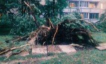 В Каменском разрушения после урагана