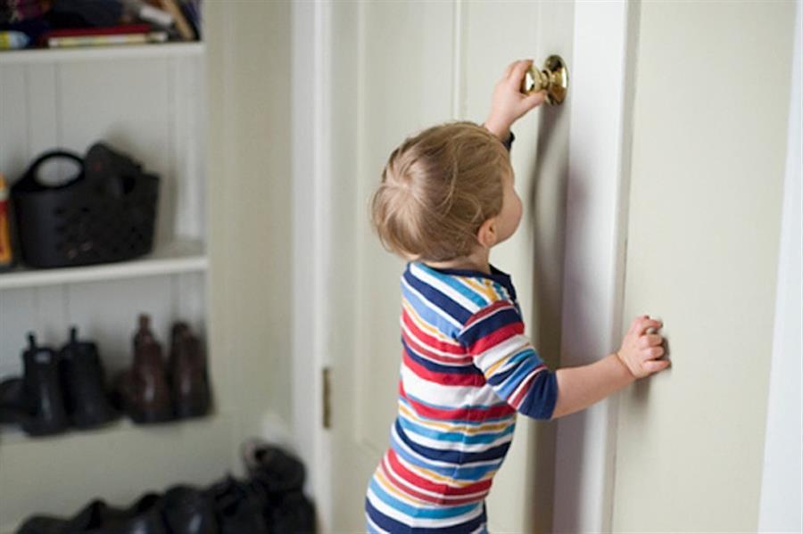 двухлетний ребёнок боится незнакомых