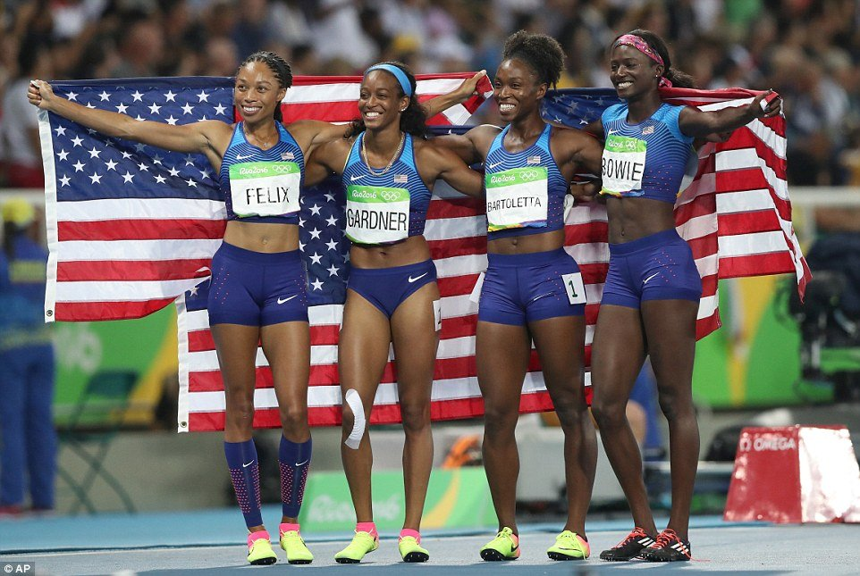 376AA06A00000578-3750012-The_United_States_team_from_left_Allyson_Felix_English_Gardner_T-a-46_1471658133550