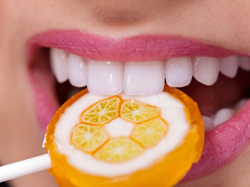 vid-krasivyh-belyh-zubov