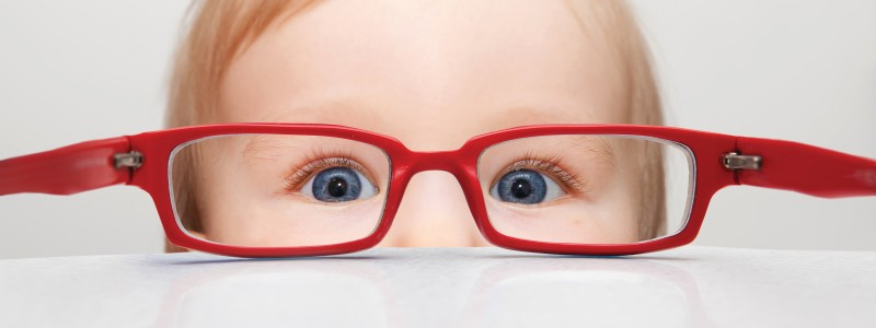 Toddler-looking-through-glasses-m084l88gjqfef60yxp6vyjljnhu3kyeuv1r3t4z6ig.jpg.pagespeed.ce.W-MANxtU04