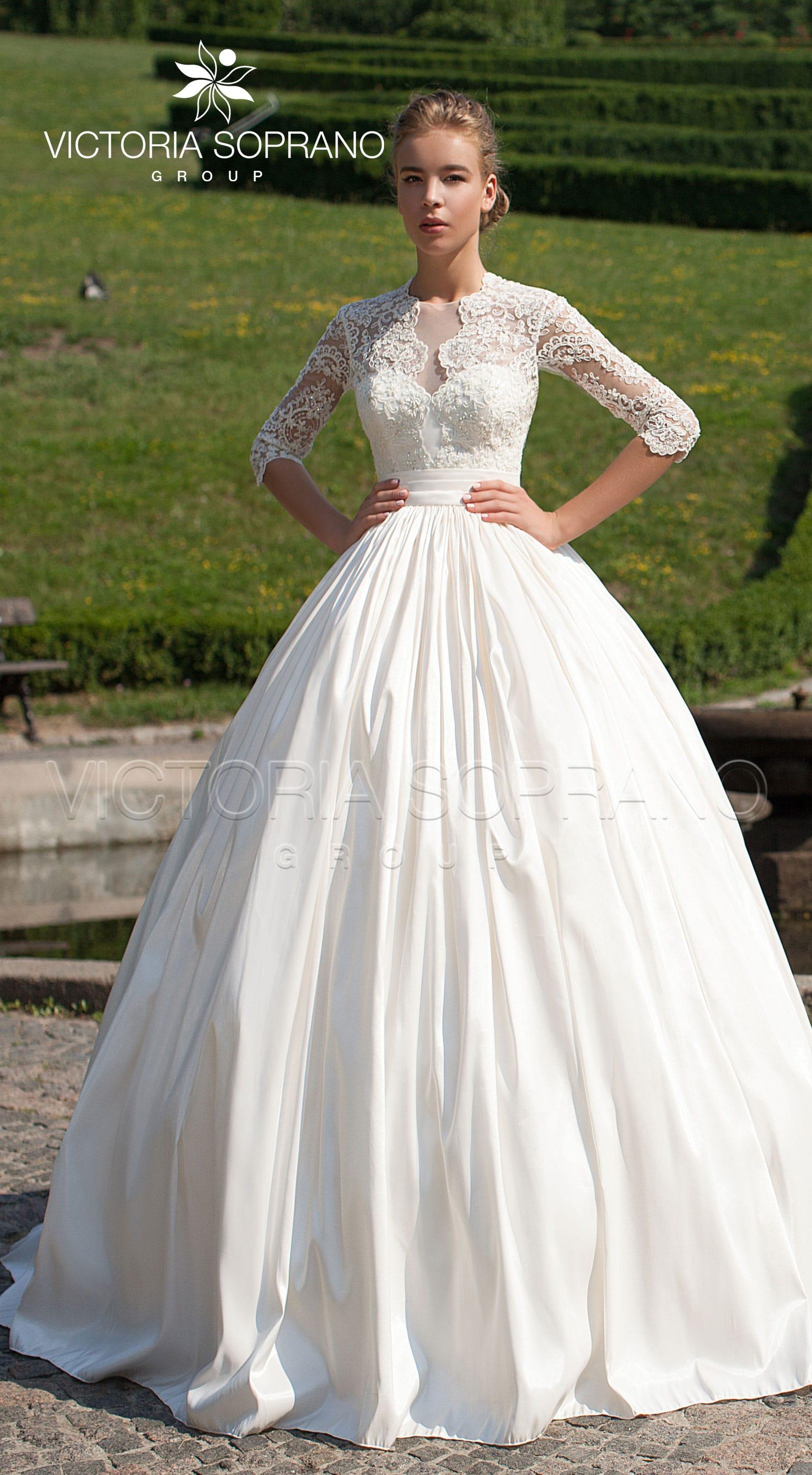 d249d2e578a4a3a Атласное или кружевное свадебное платье - что выбрать?