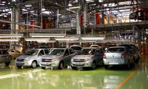 АвтоВАЗ прекратил поставки своих машин в Украину
