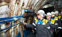 На Днепропетровщине женщины отправились в шахты к своим мужьям