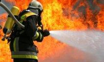 В Днепре произошел пожар на складе с гофрокартоном