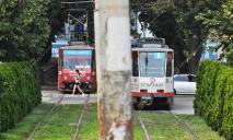 Интернациональный конфликт: в Днепре устроили драку прямо в трамвае