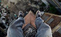 В Днепропетровской области парень хотел сброситься с крыши