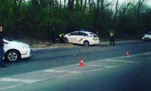 Найденный возле трассы труп не могут опознать правоохранители