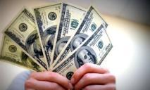 Какой должен быть заработок украинца, чтобы ему не требовалось отправляться зарабатывать за границу
