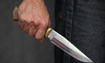Воткнул нож отцу в живот и пошел напиваться