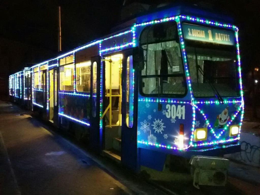 Новогодний трамвайчик 01