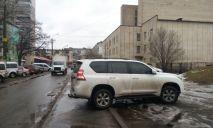 «Я паркуюсь как мудак»: в Днепр съехались пчеловоды со всей страны