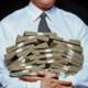 Кабмин заявляет о росте количества людей с «достойной» зарплатой