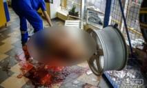 Смертельное ДТП: девушку выбросило в витрину магазина