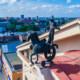 Деловой центр Днепра с фигурой всадника на крыше