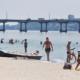 Пляж Днепра посетили важные «гости»