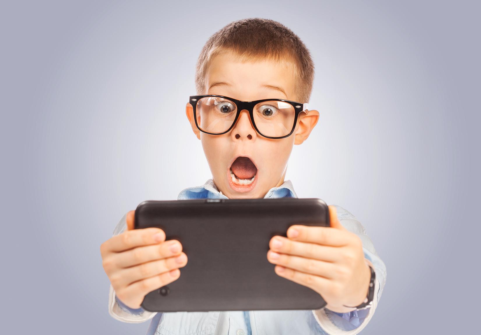 Новости Днепра про Компьютерное воздействие гаджетов на зрение детей (мнение клиники «Взгляд»)