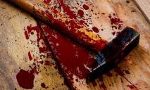 Семейную пару избили молотком до полусмерти