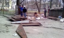 Ни гаража, ни «бизнеса»: демонтаж во дворе Днепра за незаконность