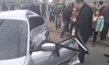 Грузовик протаранил легковое авто в Днепре: видео ДТП