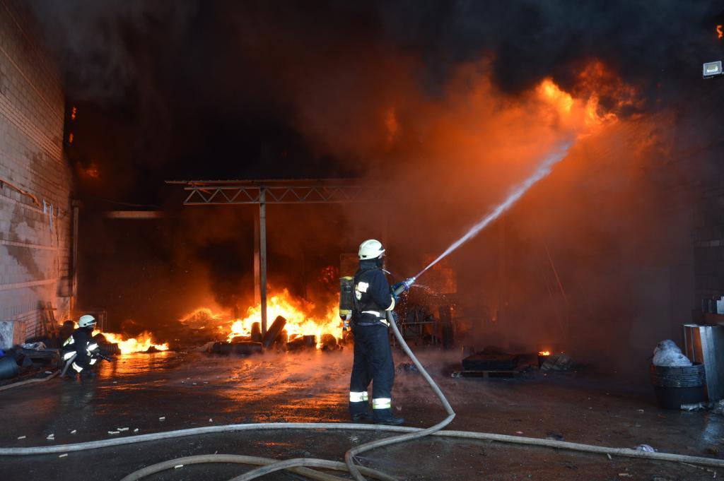 Новости Днепра про Масштабный пожар под Днепром: новые подробности