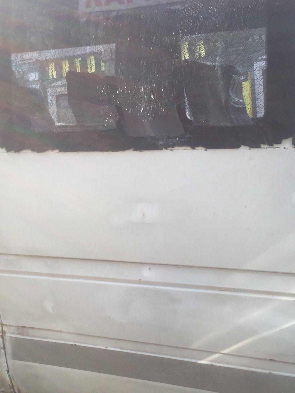 Новости Днепра про Разбитое окно и драка: потасовка в маршрутке Днепра