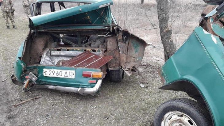 Новости Днепра про ЧП на дороге: «ВАЗ» превратился в груду металла