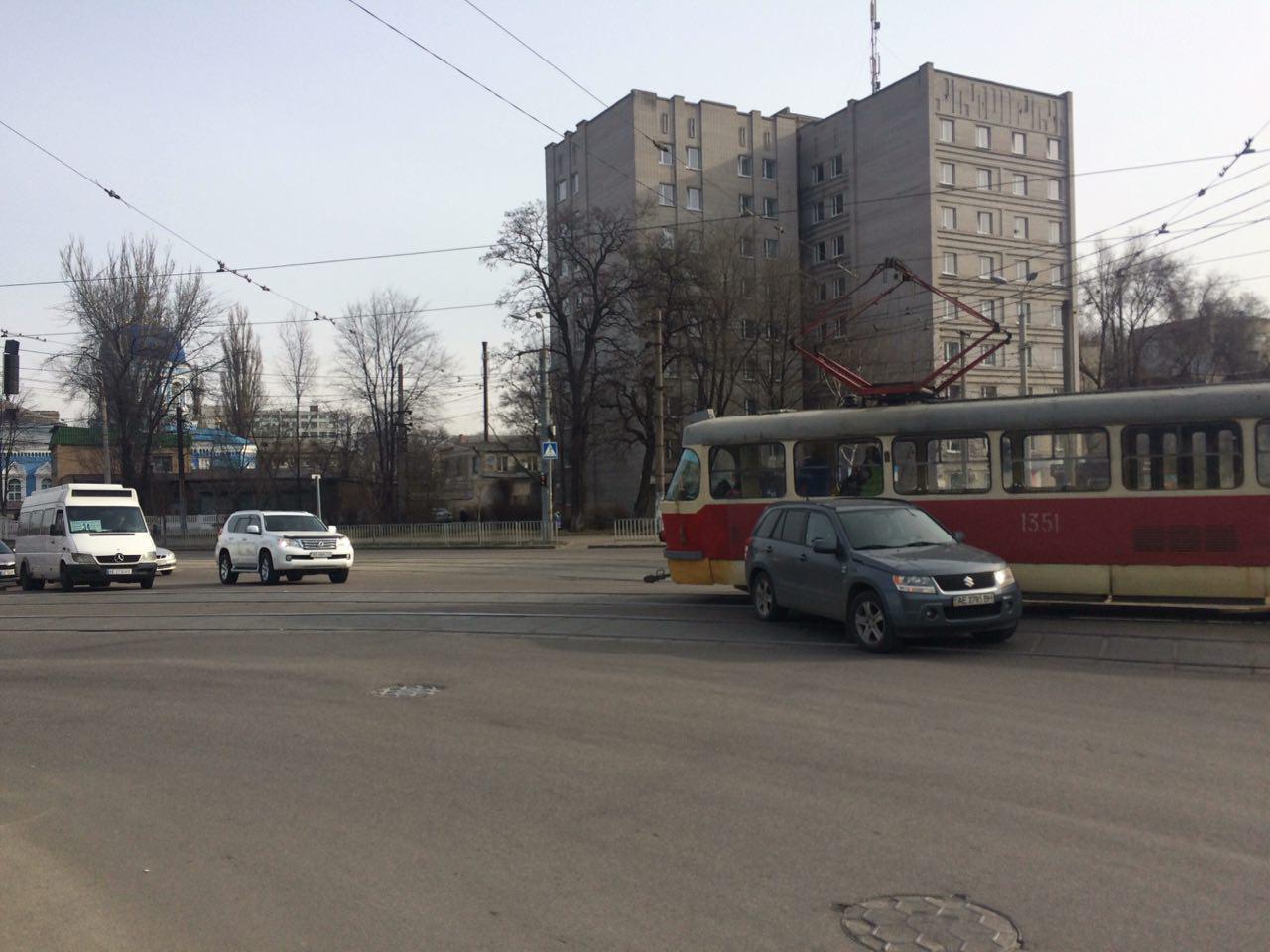 Новости Днепра про ДТП с трамваем в Днепре: образовался затор