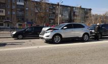 В Днепре столкнулись сразу 4 авто