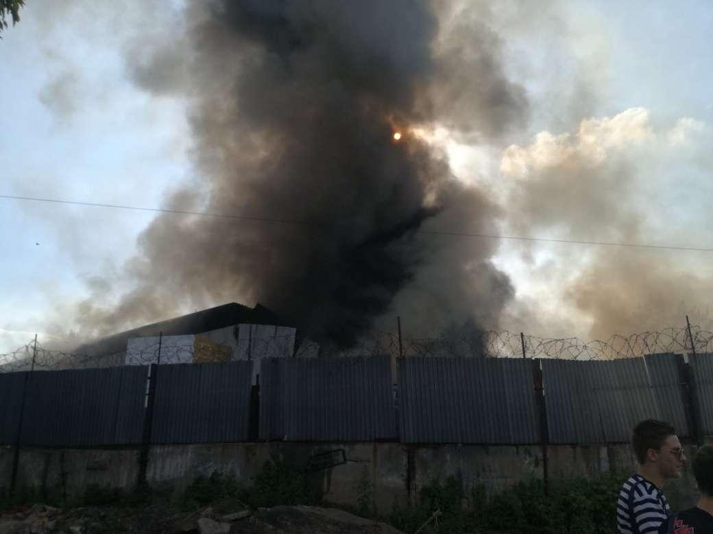 Масштабный пожар на правом берегу Днепра. Новости Днепра