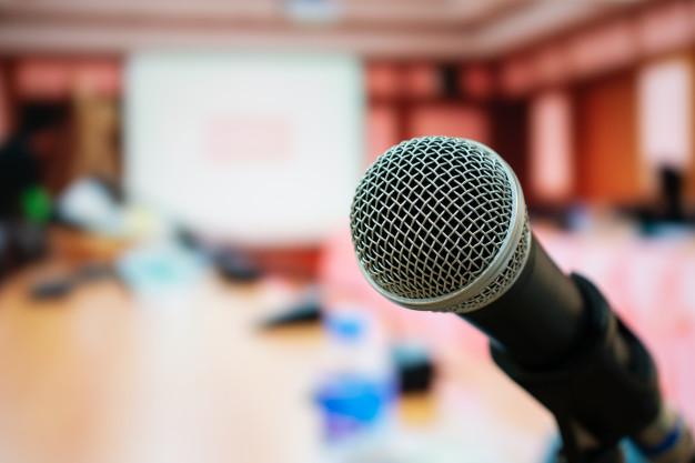 Новости Днепра про Образовательный центр «Интеллект» избавляет от страха публичных выступлений