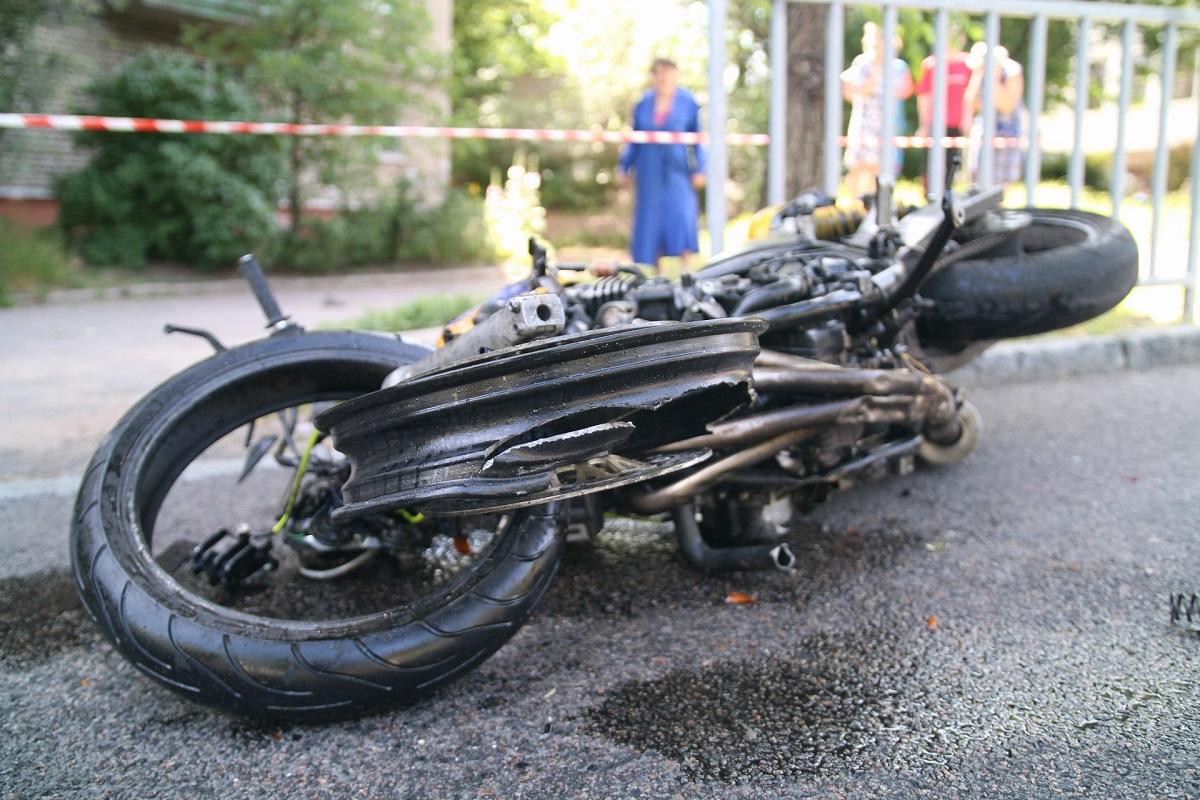 В Днепре произошло смертельное ДТП с мотоциклом. Новости Днепра