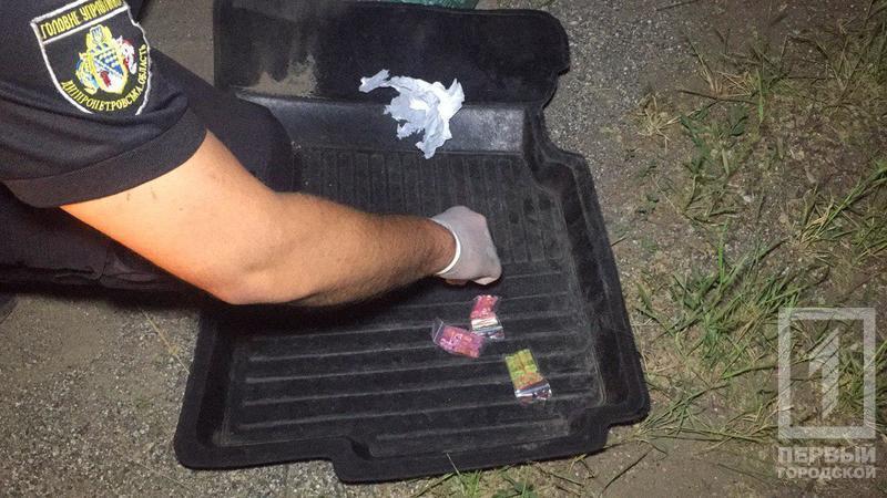 Таксист под кайфом перевозил пассажира с наркотиками. Новости Днепра