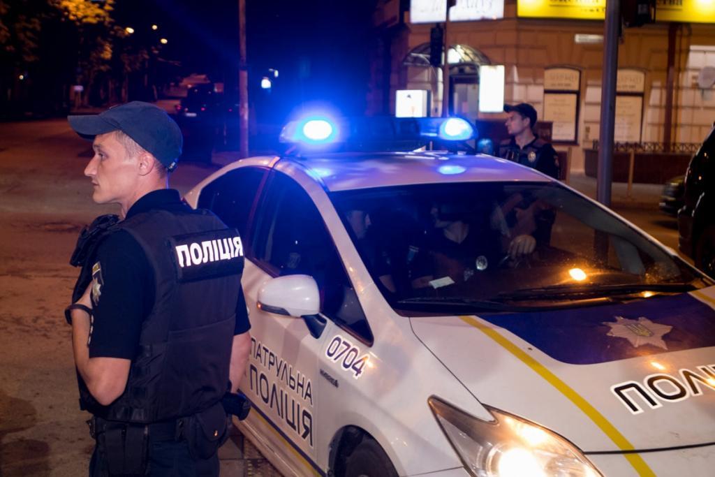 В Днепре на авто полиции надели презерватив. Новости Днепра