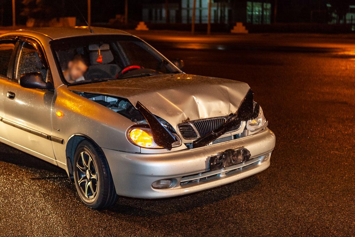 В Днепре столкнулись 2 автомобиля. Новости Днепра