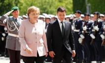 Меркель стало плохо во время встречи с Зеленским (видео)