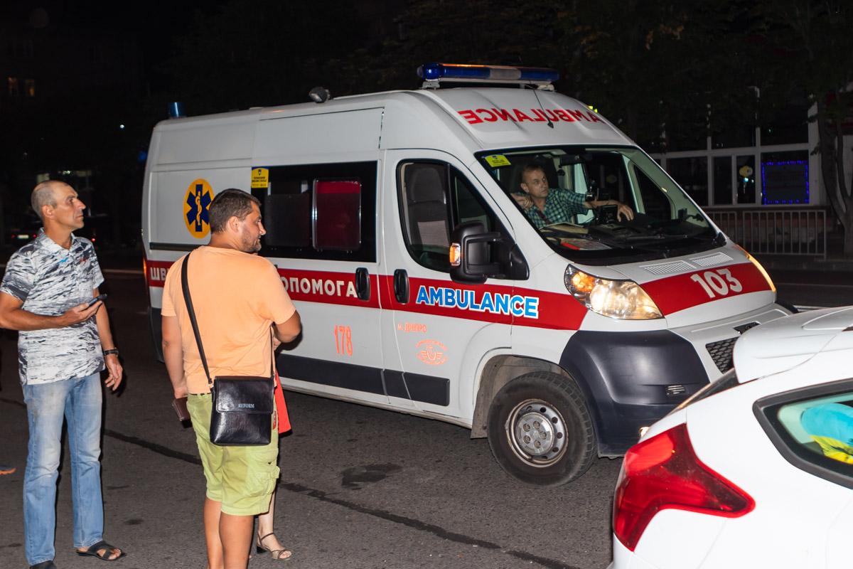 В Днепре прямо на переходе иномарка сбила мужчину: водитель скрылся. Новости Днепра
