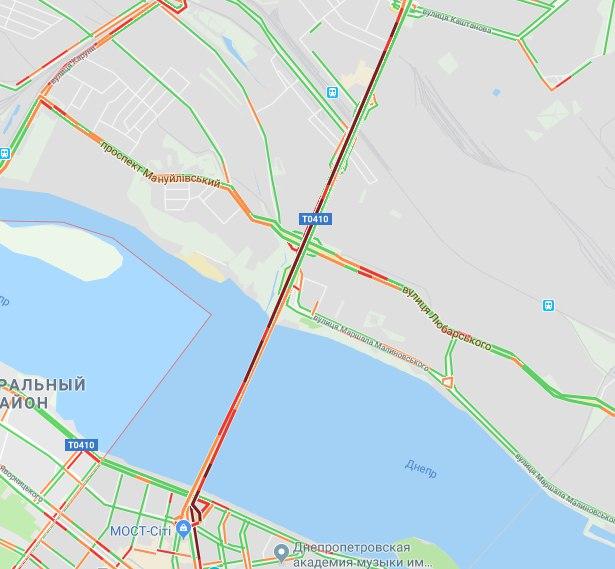 В Днепре 2 моста застряли в пробках. Новости Днепра