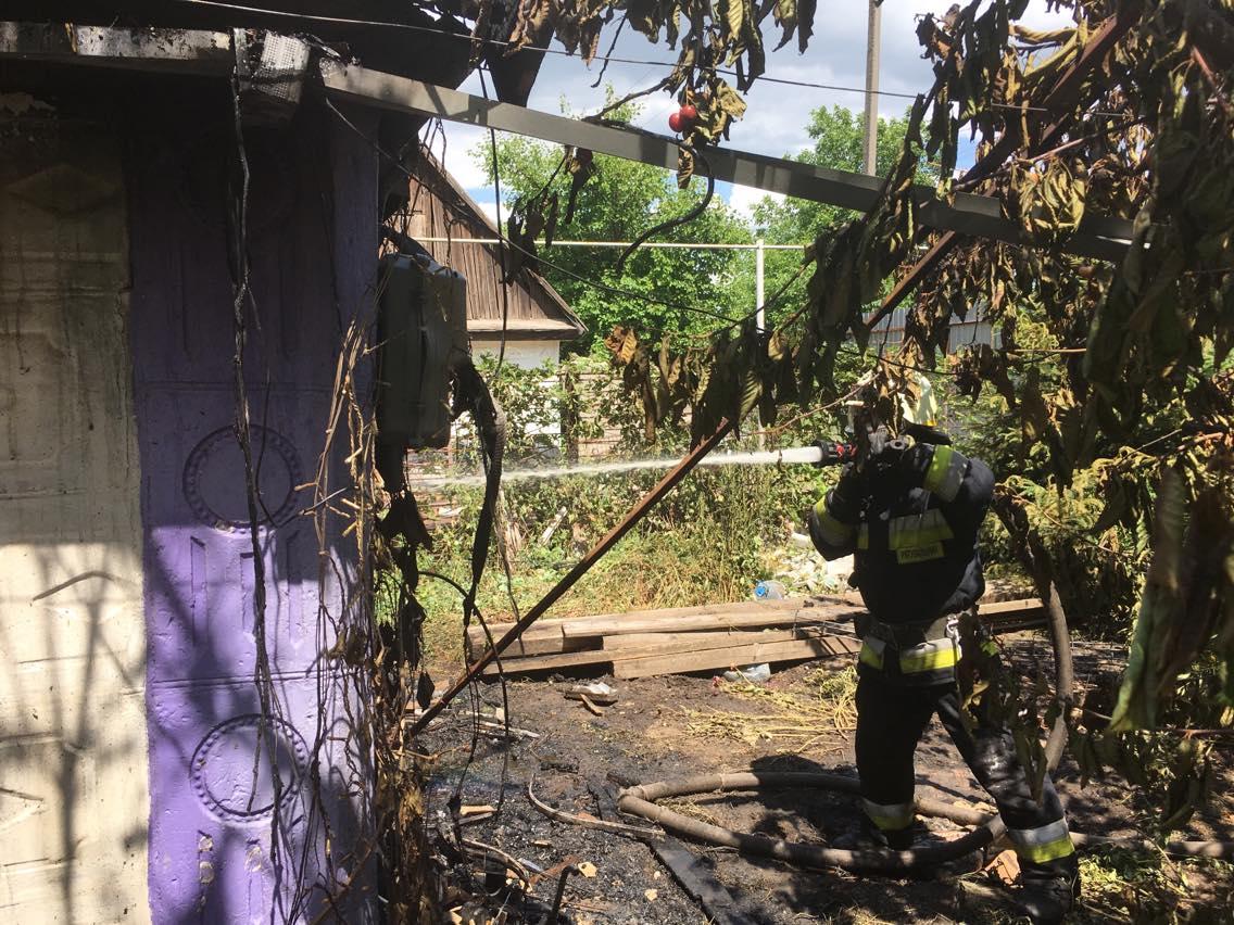 Пожар в Днепре: загорелся жилой дом. Новости Днепра