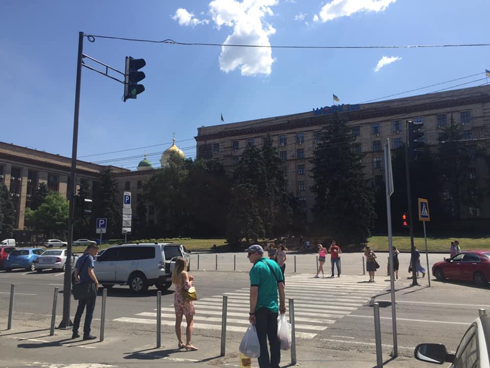 На Героев Майдана в Днепре поставили светофор. Новости Днепра